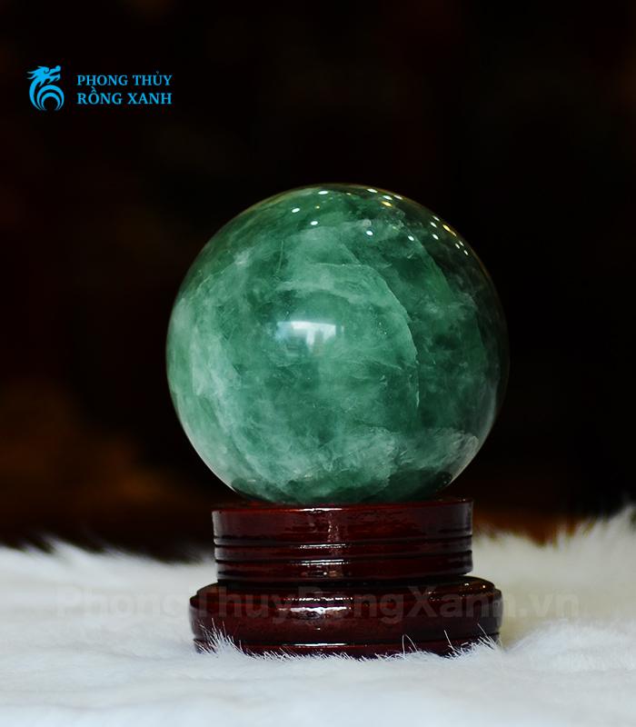 Hình dáng quả cầu Fluorit màu xanh