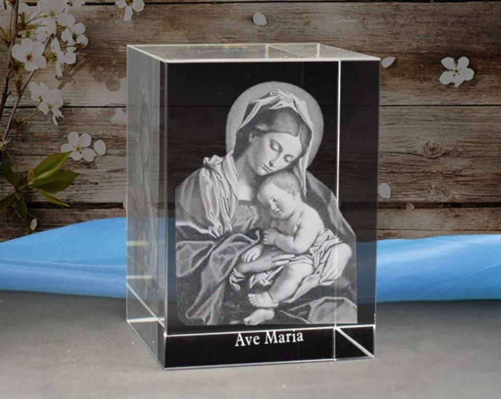 Quà tặng pha lê khắc mẹ maria
